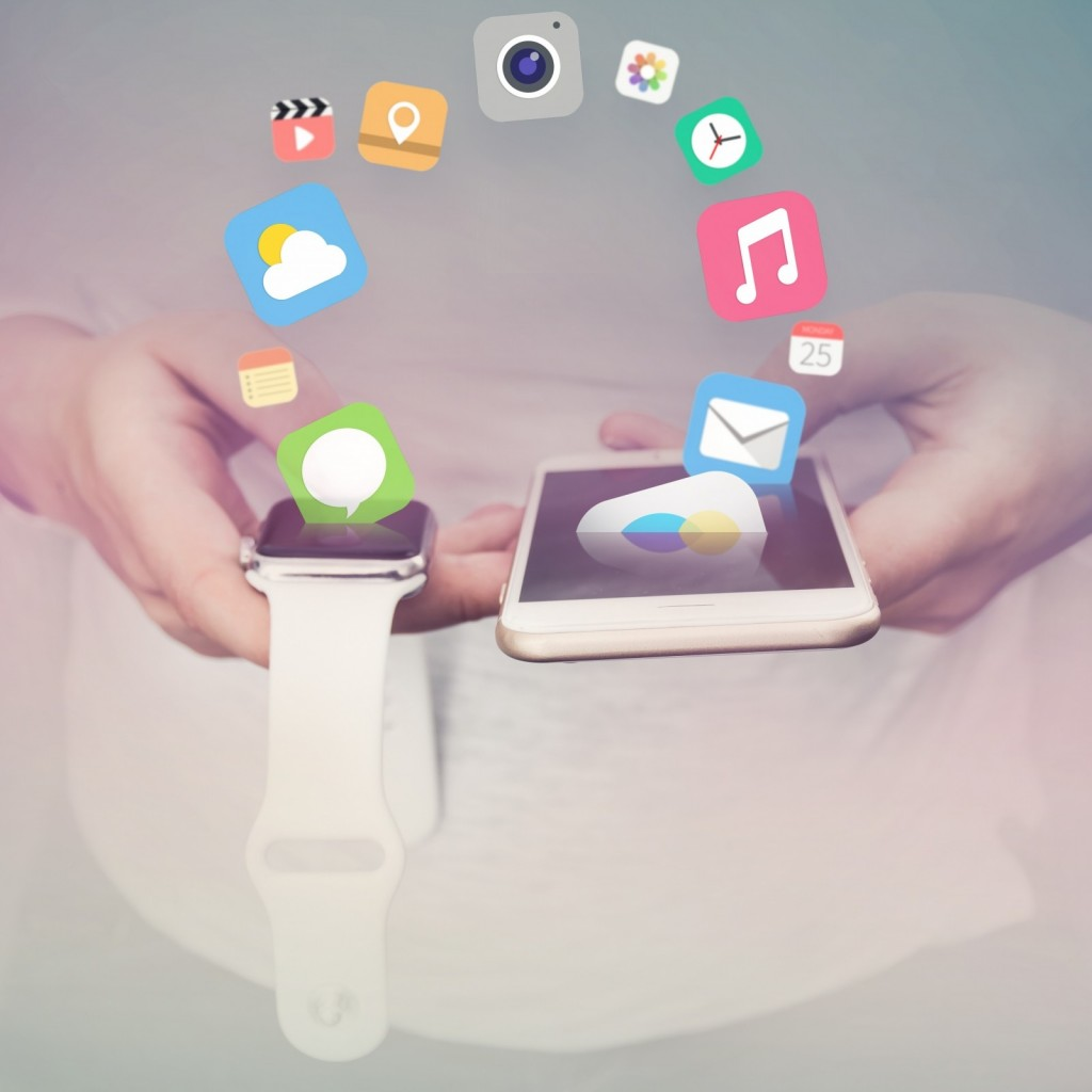 apple-iphone-iwatch-apps-mobile-communication